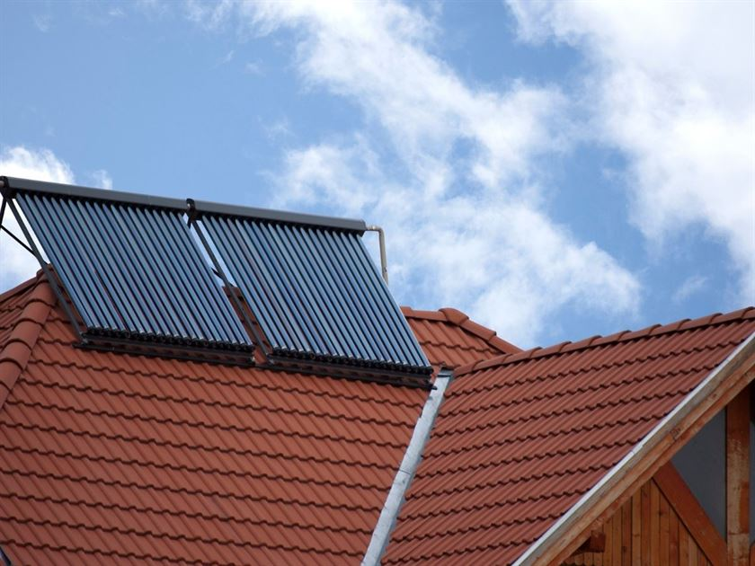 solar water heating installer london